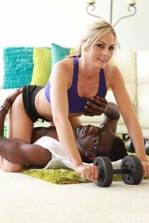 Black Personal Trainers Sindy Lange