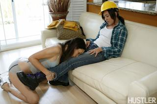 Hard Working Girls Sinn Sage