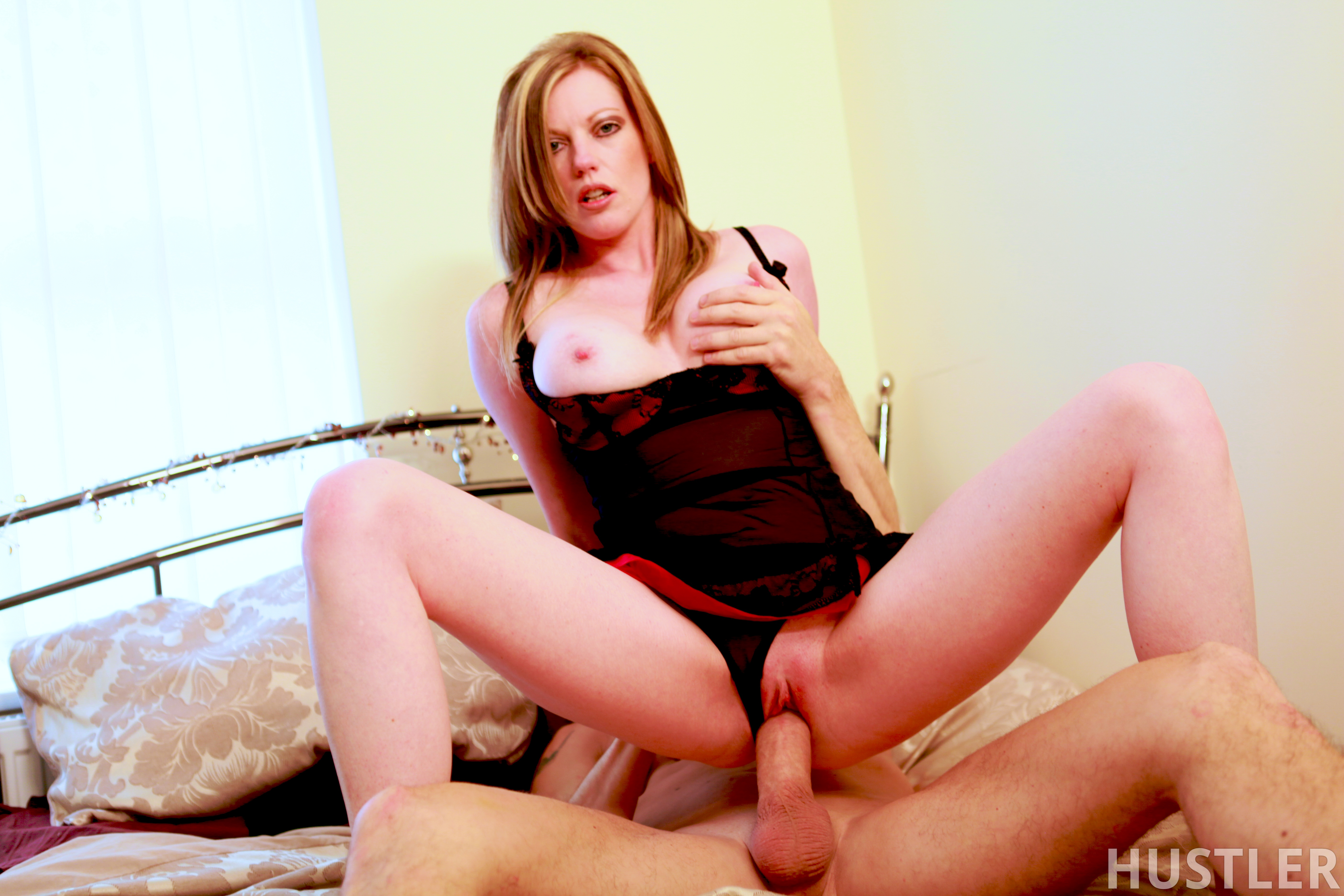 Hot Wife Dreaming Holly Kiss